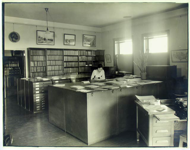 Library and Map Storage Room, Department of Geology, Date unknown