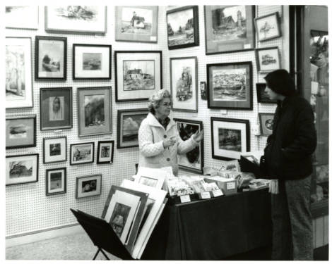 Pike_Place_Market_art_stall_December_1978